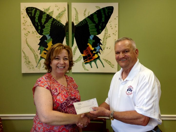 Elks Lodge 270 donate to Choices for Women